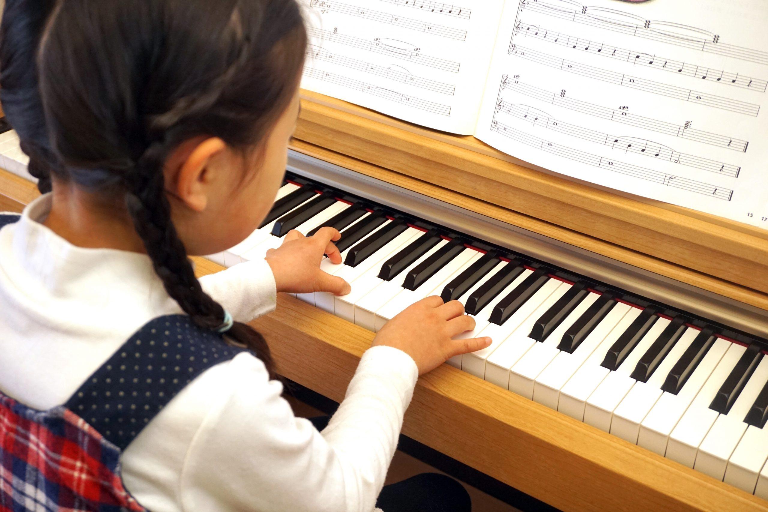 女の子のピアノ教室