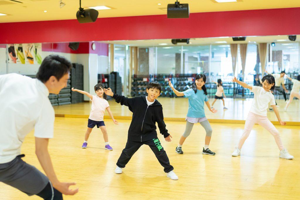 ダンススクールのレッスン